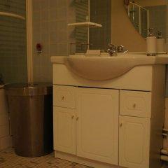 Отель Rive Gauche Comfortable Франция, Париж - отзывы, цены и фото номеров - забронировать отель Rive Gauche Comfortable онлайн ванная