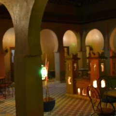 Отель Riad Ouzine Merzouga Марокко, Мерзуга - отзывы, цены и фото номеров - забронировать отель Riad Ouzine Merzouga онлайн гостиничный бар