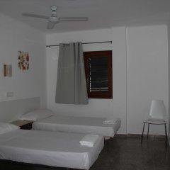 Отель Hostal Las Nieves Стандартный номер с 2 отдельными кроватями (общая ванная комната) фото 6