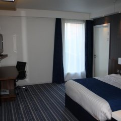 Отель Holiday Inn Express Manchester City Centre Arena 3* Стандартный номер с двуспальной кроватью фото 2