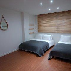 Отель YE'4 Guesthouse 2* Стандартный семейный номер с двуспальной кроватью (общая ванная комната) фото 6