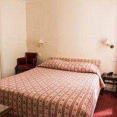 Отель Hôtel Exelmans 2* Улучшенный номер с двуспальной кроватью фото 10