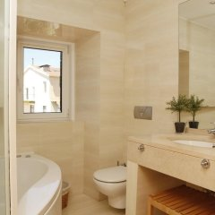 Отель Flores Guest House 4* Люкс с различными типами кроватей фото 8