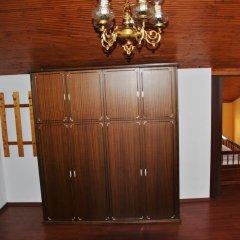 10 Coins Hostel сейф в номере