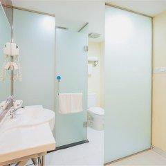 Отель Hanting Hotel Beijing Liufang Branch Китай, Пекин - отзывы, цены и фото номеров - забронировать отель Hanting Hotel Beijing Liufang Branch онлайн ванная