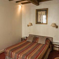 Отель Hôtel Exelmans 2* Улучшенный номер с двуспальной кроватью фото 16