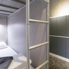 Отель 2W Bed & Breakfast Bangkok 2* Кровать в общем номере фото 4