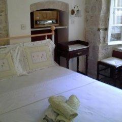 Отель Aeginitiko Archontiko Греция, Эгина - 1 отзыв об отеле, цены и фото номеров - забронировать отель Aeginitiko Archontiko онлайн комната для гостей фото 5