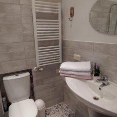 Отель Philharmonic Apartments Литва, Вильнюс - отзывы, цены и фото номеров - забронировать отель Philharmonic Apartments онлайн ванная