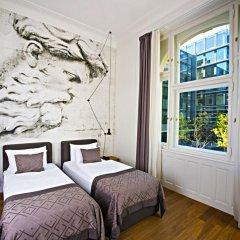 Отель Golden Crown 4* Улучшенный номер с двуспальной кроватью фото 10