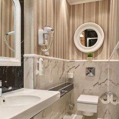 Отель SleepWalker Boutique Suites 3* Номер Делюкс с двуспальной кроватью фото 24