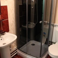 Гостиница Na L'va Tolstogo в Змеиногорске отзывы, цены и фото номеров - забронировать гостиницу Na L'va Tolstogo онлайн Змеиногорск ванная