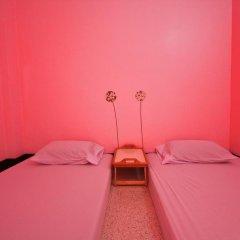 Baan Nampetch Hostel Номер категории Эконом с 2 отдельными кроватями