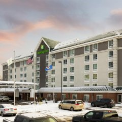 Отель Holiday Inn Bloomington W Msp Airport Area Блумингтон парковка