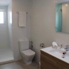 Отель Agi las Acacias Испания, Курорт Росес - отзывы, цены и фото номеров - забронировать отель Agi las Acacias онлайн ванная