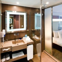 Отель Novotel Bangkok Silom Road 4* Улучшенный номер с различными типами кроватей фото 6