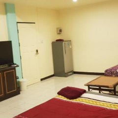 Апартаменты Parinya's Apartment Стандартный номер фото 6