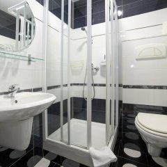 Отель Hostal Adria Santa Ana Мадрид ванная фото 2
