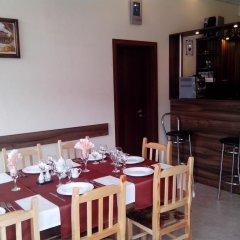 Отель Advel Guest House Болгария, Боровец - отзывы, цены и фото номеров - забронировать отель Advel Guest House онлайн питание