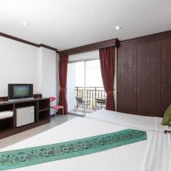 Отель Patong Buri 3* Стандартный номер с различными типами кроватей фото 7