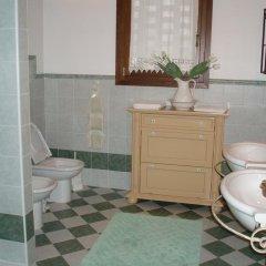 Отель House Luigi Дуэ-Карраре ванная фото 2