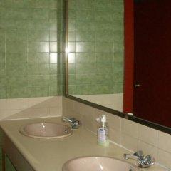 Отель Sol Hostel Испания, Мадрид - отзывы, цены и фото номеров - забронировать отель Sol Hostel онлайн ванная