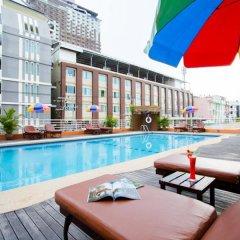 Eastiny Plaza Hotel бассейн фото 3