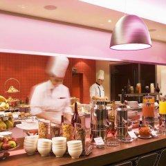 Отель Radisson Blu Hotel Toulouse Airport Франция, Бланьяк - 1 отзыв об отеле, цены и фото номеров - забронировать отель Radisson Blu Hotel Toulouse Airport онлайн питание фото 2