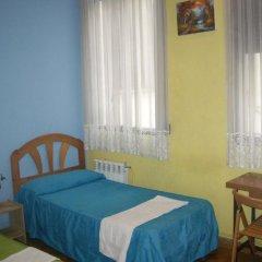 Отель Hostal Pacios Стандартный номер с различными типами кроватей фото 10