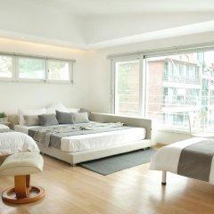 Отель The Mei Haus Hongdae 3* Стандартный семейный номер с двуспальной кроватью фото 22