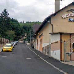 Отель California Club Чехия, Карловы Вары - отзывы, цены и фото номеров - забронировать отель California Club онлайн парковка