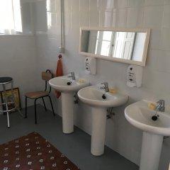 Отель Albergue De Peregrinos La Bilbaina Испания, Сантония - отзывы, цены и фото номеров - забронировать отель Albergue De Peregrinos La Bilbaina онлайн ванная