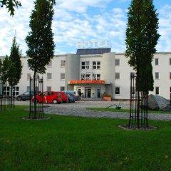 Отель KOSMONAUTY Вроцлав парковка