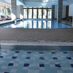 Port Side Resort Hotel бассейн