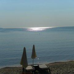 Отель Oasis VIP Club Болгария, Солнечный берег - отзывы, цены и фото номеров - забронировать отель Oasis VIP Club онлайн пляж фото 2