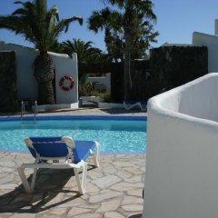 Отель Bungalows El Jardín бассейн