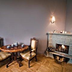 Гостиница Британский Клуб во Львове 4* Улучшенные апартаменты с разными типами кроватей фото 2