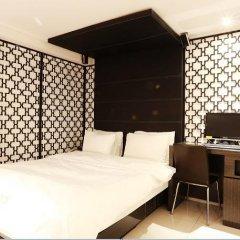 Hotel Cello 2* Стандартный номер с двуспальной кроватью