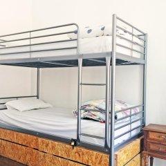 Liv'in Lisbon Hostel Кровать в общем номере с двухъярусной кроватью фото 9