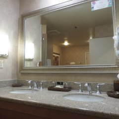 Отель Platinum Hotel and Spa США, Лас-Вегас - 8 отзывов об отеле, цены и фото номеров - забронировать отель Platinum Hotel and Spa онлайн ванная