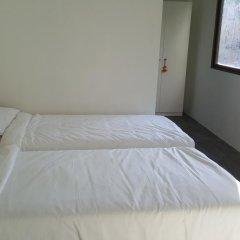 Отель Relax Lodge Бангкок комната для гостей фото 2