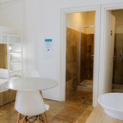Отель Inhawi Hostel Мальта, Слима - 1 отзыв об отеле, цены и фото номеров - забронировать отель Inhawi Hostel онлайн ванная фото 2