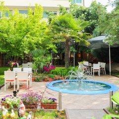 Отель Eros Motel бассейн