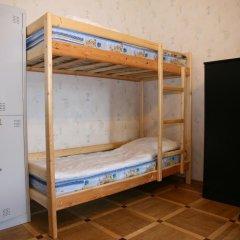 Гостиница Happy House Кровать в мужском общем номере с двухъярусной кроватью фото 3