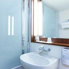 Отель Campanile Villeneuve D'Ascq 3* Улучшенный номер с различными типами кроватей фото 3