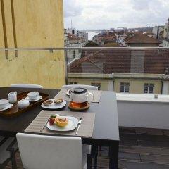 Апартаменты BmyGuest Santos Charming Apartment Лиссабон в номере