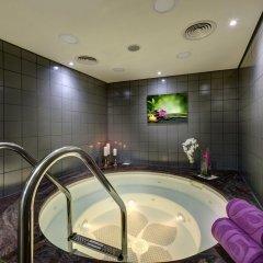 Отель J5 Hotels Port Saeed Дубай бассейн фото 3