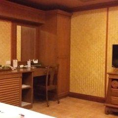 Отель Royal Phawadee Village 4* Улучшенный номер фото 14
