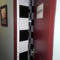 Отель Hôtel Monte Carlo 2* Стандартный номер с различными типами кроватей (общая ванная комната) фото 9