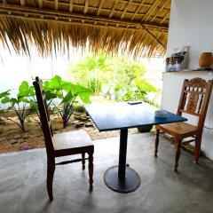 Отель An Bang Sunrise Beach Bungalow 3* Бунгало с различными типами кроватей фото 7